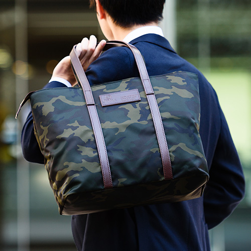 【Folna】迷彩ナイロンブリーフバッグ 藤巻百貨店限定モデル(ネイビー)