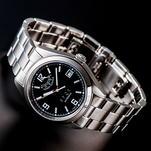 就職祝いに腕時計を贈ろう